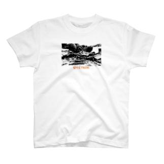 廃墟 崩壊 T-shirts