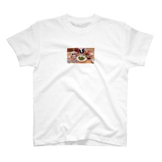 さんびき、 T-shirts