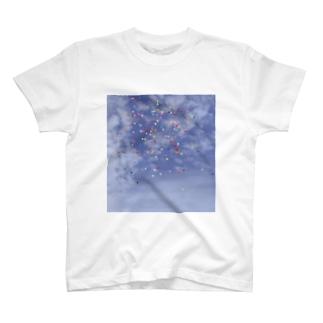 空と風船 T-Shirt