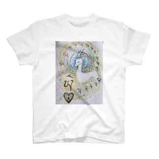 パワーアニマル 鹿 T-shirts