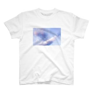 むらさきの雲 T-shirts