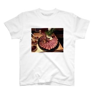 ティーボーンステーキ T-shirts