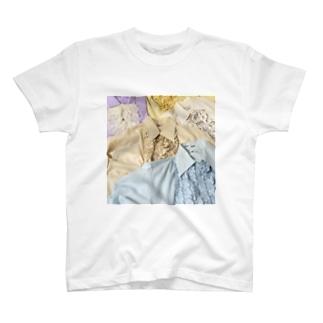 70sfrillblouseprint T-shirts