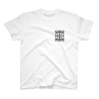 トライバル柄2 T-shirts