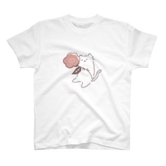 お花とねこ(おおきめ) T-shirts