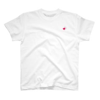ハートにつかまる猫(ミニ) T-shirts