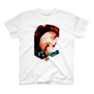 つよい女 T-shirts