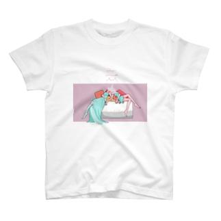 睡眠 T-shirts