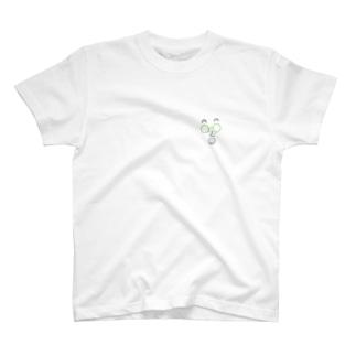 シロ Face T-shirts