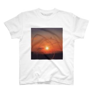夜明け8 T-shirts