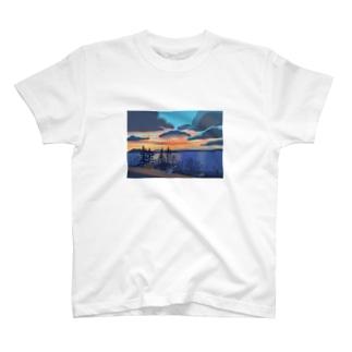 ベリンハムの空 T-shirts