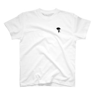 フラッグを持つ人 T-shirts