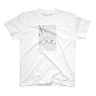 カーテンのそと T-shirts