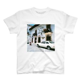 メキシコ:タスコの商店 Mexico: Shops in Taxco T-shirts
