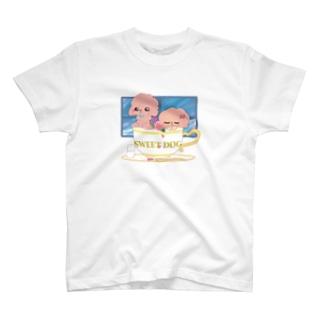 ティーカップとプードル(カラー) T-shirts