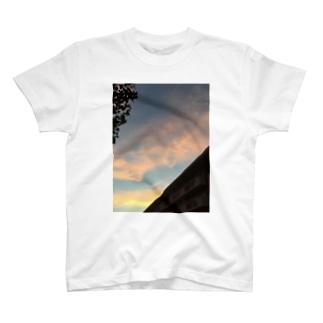 流れゆく雲 T-shirts