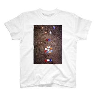 愛情 T-shirts