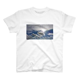 まぶしい空 T-shirts