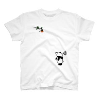 パンダと柿と。 T-shirts