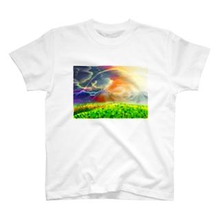 虹の見える丘 T-shirts