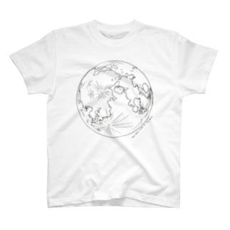 月の表面と裏面(両面印刷) T-shirts