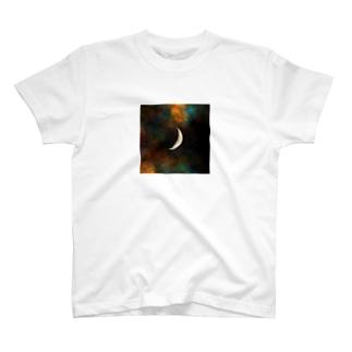 上弦の月🌃🌙 T-shirts