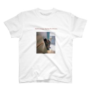 エモティー T-shirts