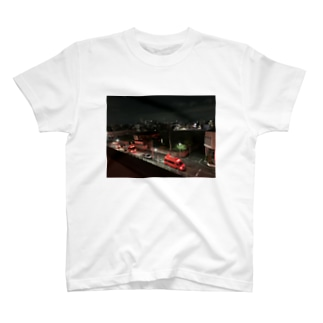 dadada555の団地の夜 T-shirts