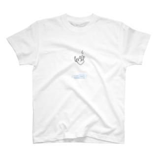 やばい体勢で滝壺に飛び込むラッコ T-shirts