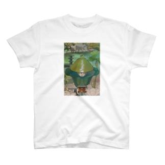 時が混ざる地点への参詣 T-shirts