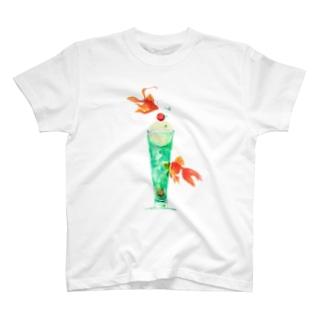 金魚とソーダが夢の泡 T-shirts