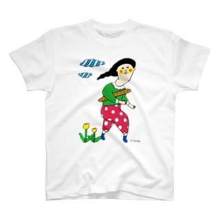 小脇にパン T-shirts