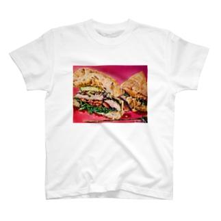 クランチー! チーズとズッキーニとチキンブレストのBLT! T-shirts