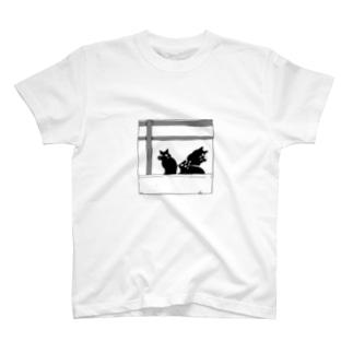 3匹の黒猫 T-shirts