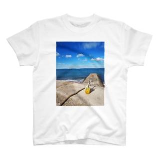 海辺でレモネード🍋 T-shirts