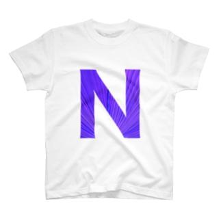 N ロゴ白色 T-shirts