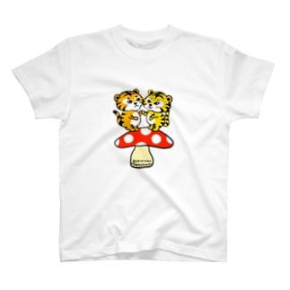 虎さんカップル きのこ T-shirts