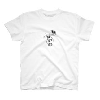 オオスズメバチとセイヨウミツバチ T-shirts
