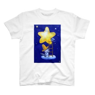 麦藁帽子をかぶった猫 星明かりの電気屋さん T-shirts