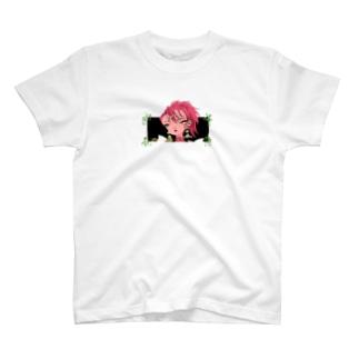 ACHU-PIの女体化侍 顔アップTシャツ T-shirts