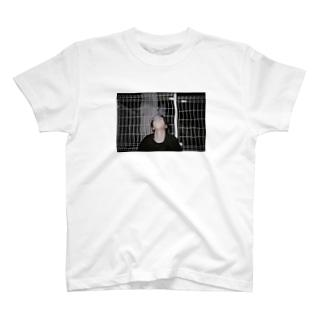 けん T-shirts