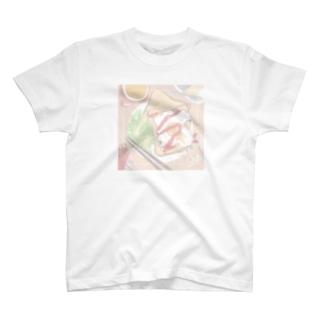 あの人の朝食 T-shirts