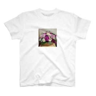 バラとブルースターのアレンジ T-shirts