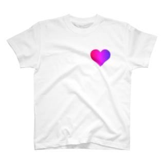 色 T-shirts