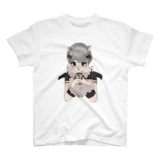 川外ひよこの猫耳メイド君 (背景無し) T-shirts