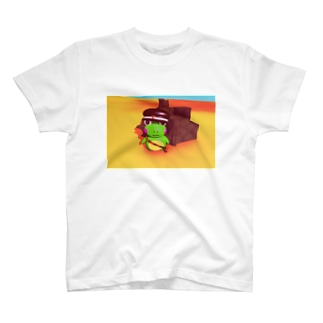 カエルの郵便配達員 T-shirts
