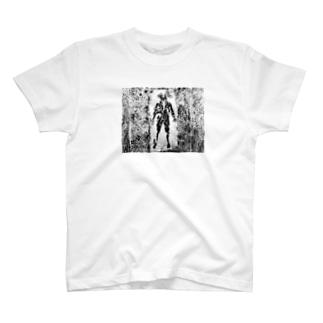 人 T-shirts
