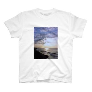 鎌倉の朝001 T-shirts
