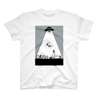 UFOに連れ去られるゾウ T-shirts