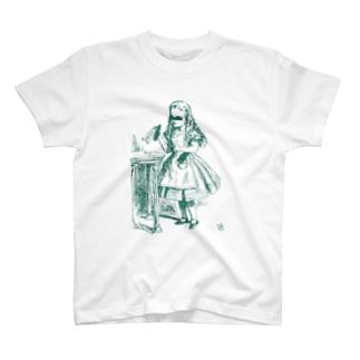 少女A T-shirts